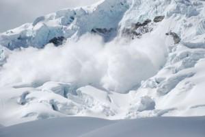 lawina 300x200 Jesienne wycieczki po górach   jak zadbać o własne bezpieczeństwo?